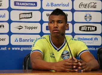 walace entrevista coletiva (Foto: Eduardo Deconto/GloboEsporte.com)