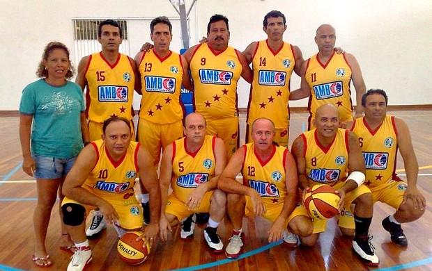 Equipe da Associação Master de Basketball do Amazonas=03-04-2012 (Foto: Associação Master de Basketball do Amazonas/Divulgação)