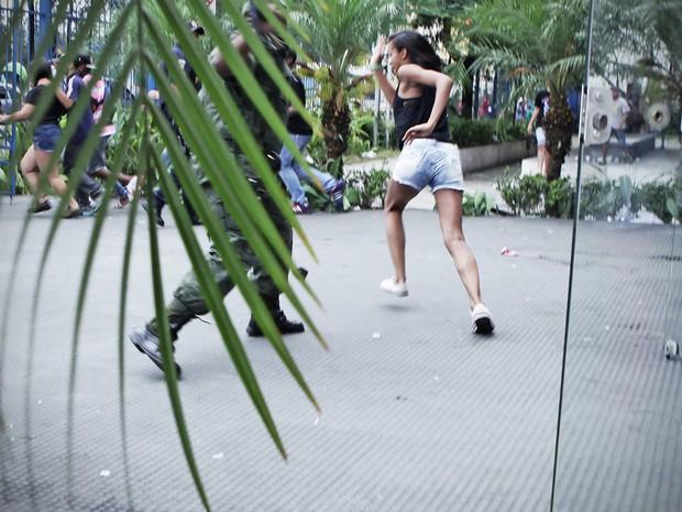 Após um evento de funk no Centro Cultural da Juventude, na Vila Nova Cachoeirinha, Zona Norte de São Paulo, uma confusão tomou as ruas da região.  (Foto: Caio Kenji/G1)