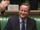 Cameron sugere que Theresa May siga o mais próximo possível da UE