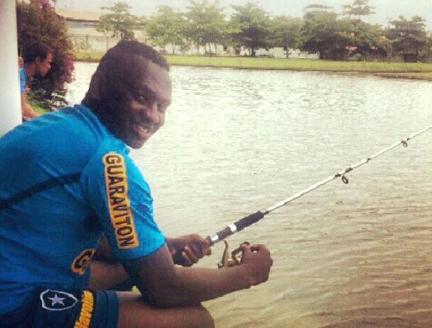 Sassá no treino do Botafogo pescaria (Foto: Reprodução / Instagram)