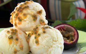 Sorvete caseiro de limão-siciliano com gengibre