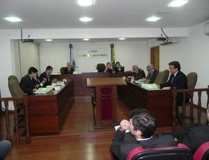 Pleno do Tribunal de Justiça Desportiva do Rio manteve pena do Goytacaz (Foto: Chandy Teixeira)