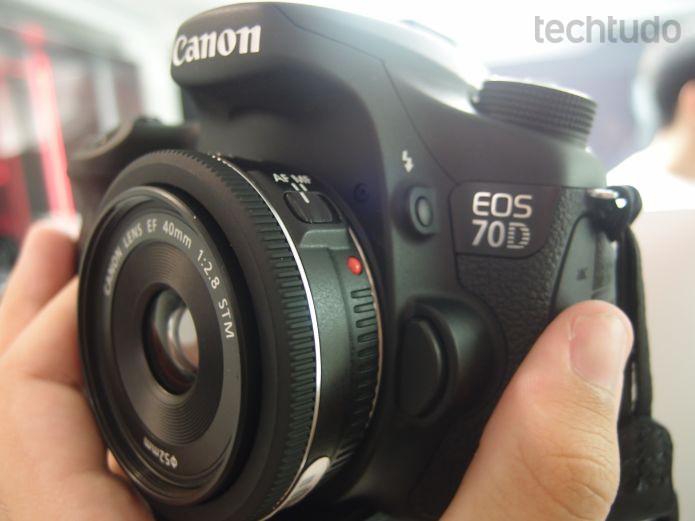 EOS 70D, da Canon, é considerado pela Canon como um modelo de entrada, mas tem recursos diferenciados  (Foto: Pedro Zambarda/TechTudo)