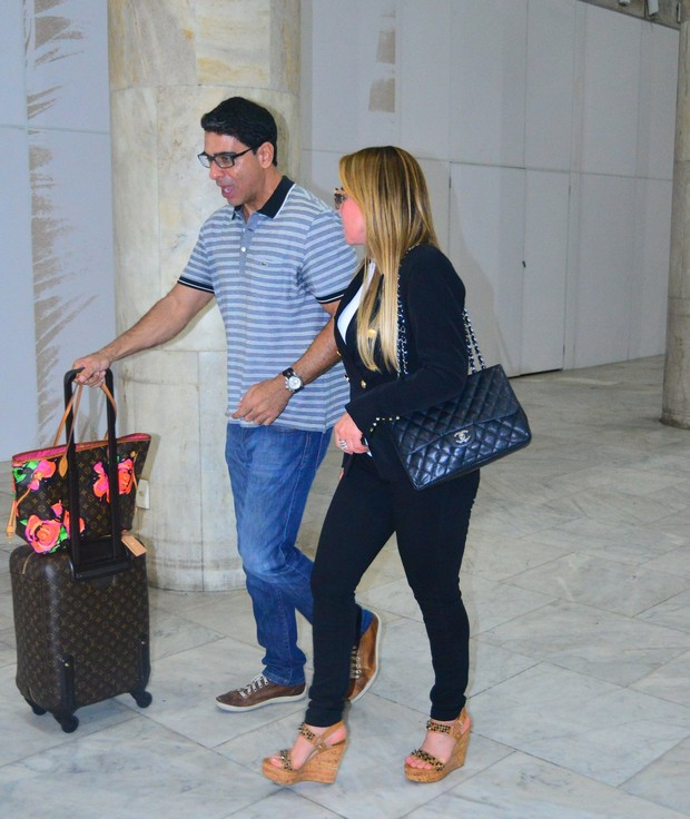 Zilu no aeroporto (Foto: William Oda/Agnews)