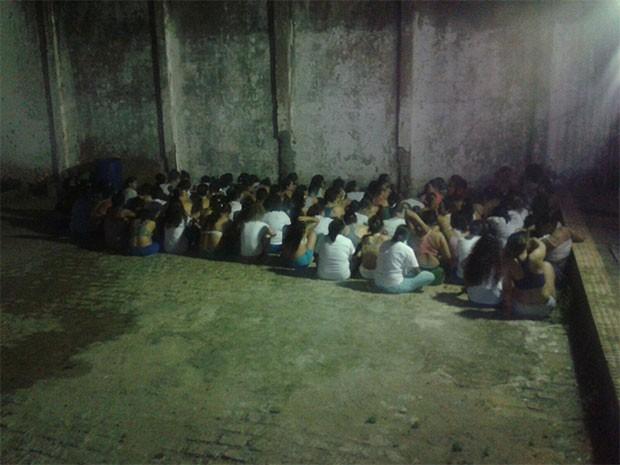 Detentas da ala feminina do Complexo Penal João Chaves se rebelaram  (Foto: G1 RN)