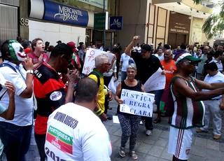 Torcidas julgamento STJD brasileirão 2013 (Foto: Thales Soares)