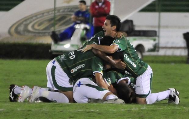 Guarani vence o Linense (Foto: Rodrigo Villalba / Memory Press)