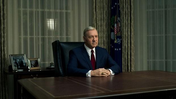 Um dos looks de Frank Underwood na quarta temporada de 'House of Cards' (Foto: Divulgação)
