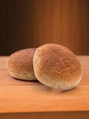 QUENTINHO Pães feitos sem trigo, com farinhas de milho, arroz e mandioca. Segundo pesquisas, o trigo pode gerar dependência (Foto: Shutterstock)