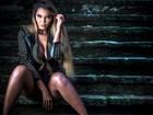 Karol Ka posa sensual e diz: 'Me acho bonita e sexy'