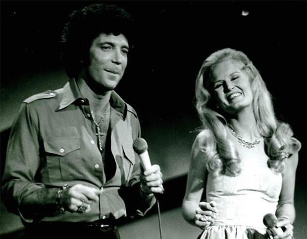 Tom Jones e Lynn Anderson, em 1977 (Foto: Divulgação)