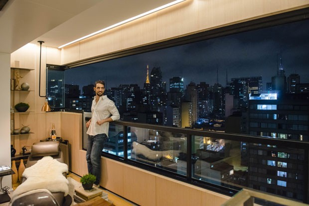 Duplex de 70 m² tem projeto voltado para a vista de São Paulo  (Foto: Caio Gallucci)