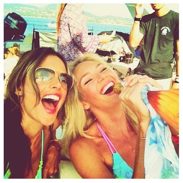 Alessandra Ambrósio e Candice Swanepoel (Foto: Reprodução/Instagram)