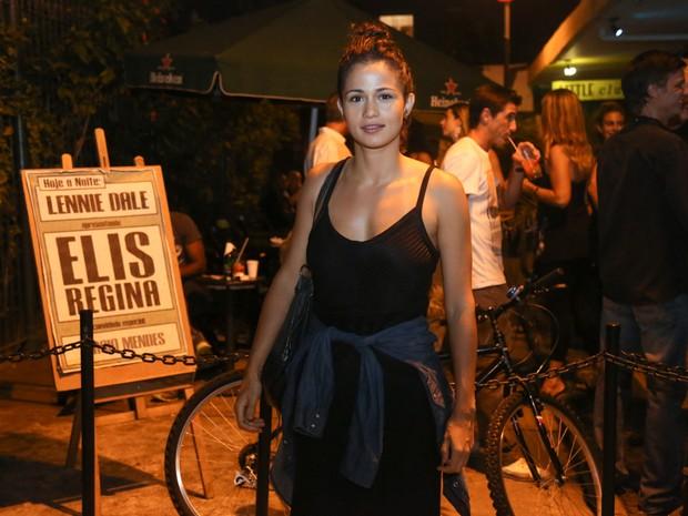 Nanda Costa em show na Zona Sul do Rio (Foto: Roberto Filho/ Brazil News)