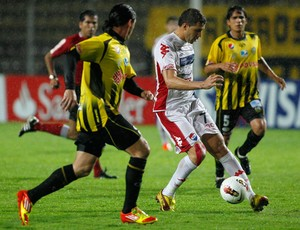 Villafraz teixeira Deportivo Tachira x Nacional (Foto: Reuters)