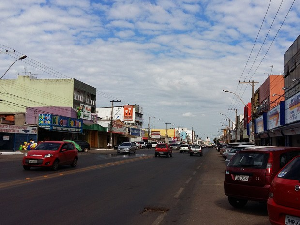 Avenida Comercial Norte de Taguatinga, região administrativa do Distrito Federal (Foto: Isabella Calzolari/G1)