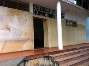 Delegacia de Homicídios de Uberlândia (Foto: Caroline Aleixo/G1)