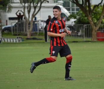Diego Renan lateral do Vitória (Foto: Francisco Galvão / Divulgação / E.C. Vitória)