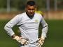 Trem contrata goleiro do Brasiliense e busca mais dois reforços para o time