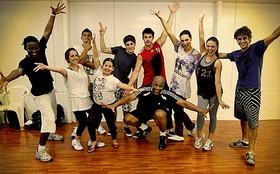 Você conhece a dança charme? Assista à aula e entre no clima de Avenida Brasil