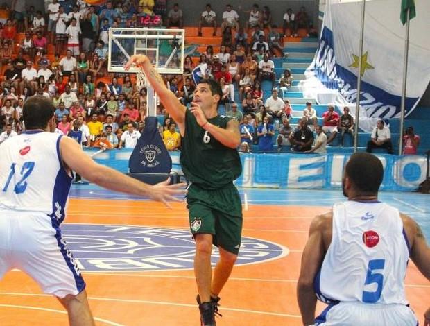 Facundo Flu basquete (Foto: Leandro Menezes / Ideallize)