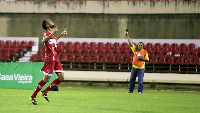 Fernando, meia do CRB (Foto: Ailton Cruz/ Gazeta de Alagoas)