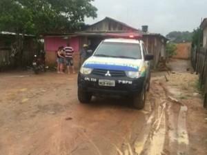 Os quatro filhos do casal estavam na residência e presenciaram a morte do pai. A mãe foi presa em flagrante e as crianças serão entregues a parentes.  (Foto:  Rondônia Vip/Reprodução)