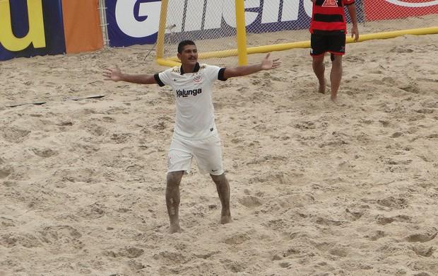 André futebol de areia Corinthians (Foto: Fabio Leme)