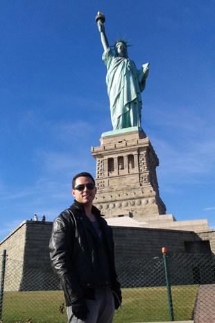 Kelsen Andrade em sua primeira viagem sem companhia, em Nova York (Foto: Kelsen Andrade/Arquivo pessoal)