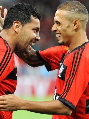Andre Santos e Paulinho  Botafogo e Flamengo (Foto: Alexandre Vidal / Fla Imagem)