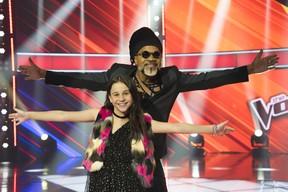 Valentina Francisco e Carlinhos Brown (Foto: Globo/César Alves)