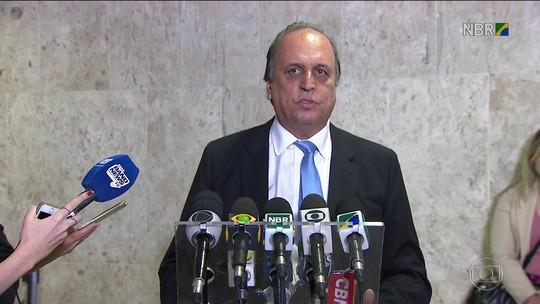 Pezão sai do SPA e vai a Brasília para reunião sobre segurança do RJ