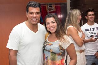 Mauricio Mattar com a filha, Petra, em pré-estreia de filme no Rio (Foto: Derick Abreu/ Foto Rio News)