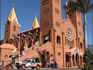 Santuário Nossa Senhora da Abadia romaria (Foto: Reprodução/ TV Integração)