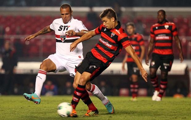 Luis Fabiano São Paulo x Atlético-GO (Foto: Gaspar Nóbrega / VIPCOMM)