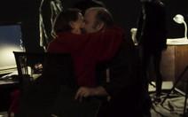 Marido descobre nojo do beijo da mulher