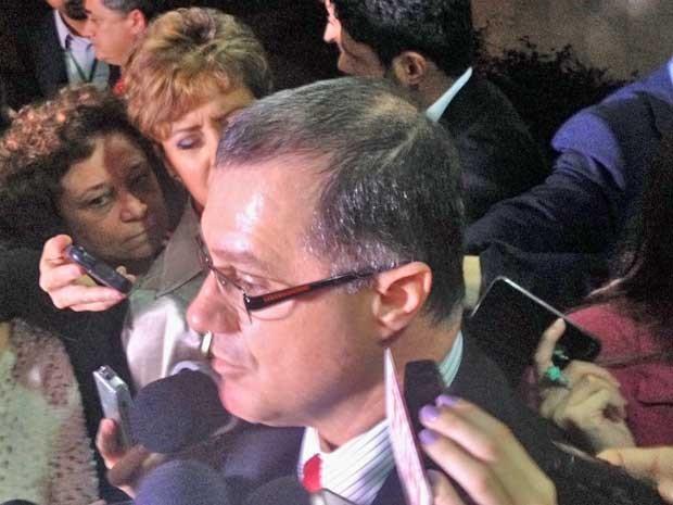 Ministro Carlos Gabas concede entrevista coletiva após reunião com Temer (Foto: Fiipe Matoso / G1)