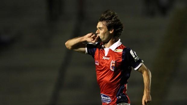Douglas Packer ,paraná clube gol asa série B (Foto: Geraldo Bubniak / Agência Estado)