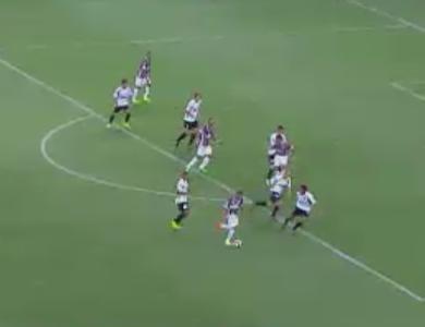 Wellington Silva é o abusado da rodada após bonita sequência de dribles (Foto: Reprodução/SporTV)