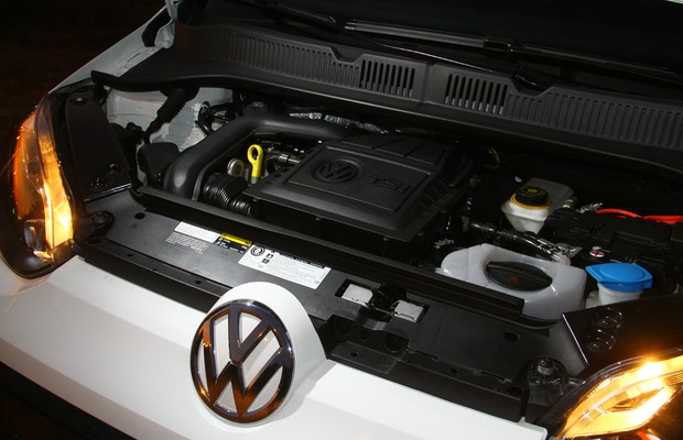 Motor do Volkswagen up! TSI (Foto: Mario Villaescusa / Autoesporte)