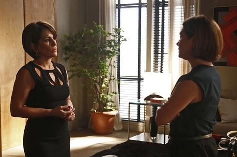 Beatriz (Gloria Pires) e Inês (Adriana Esteves) (Foto: Reprodução)