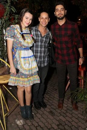 Mariana Molina, Rainer Cadete e Miguel Rômulo em festa na Zona Oeste do Rio (Foto: Anderson Borde e Francisco Silva/ Ag. News)