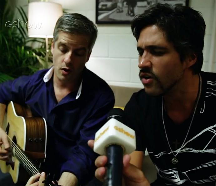Victor e Leo cantam 'Estrada Vermelha', um dos temas de Candinho em 'Êta Mundo Bom!' (Foto: Gshow)