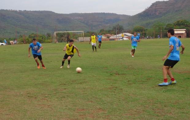 Inove treina em Taquaruçu e montou um elenco com 25 atletas (Foto: Marcos Martins/GLOBOESPORTE.COM)