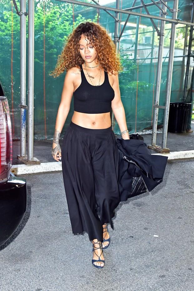 Rihanna em Nova York, nos Estados Unidos (Foto: AKM-GSI/ Agência)