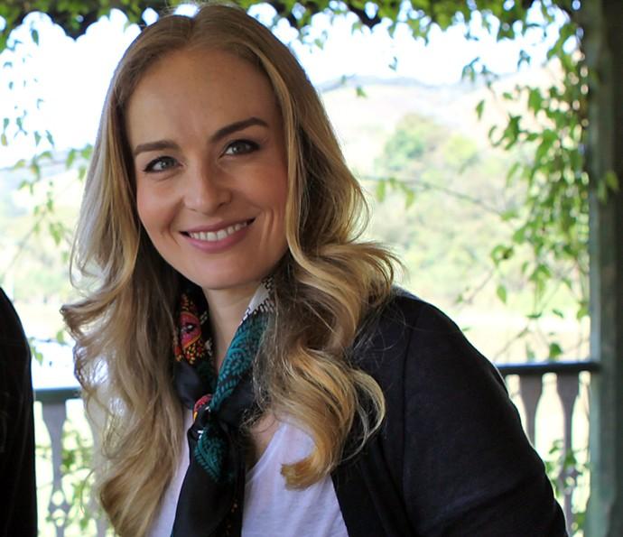 Angélica abre sorriso durante gravação do programa em 2013 (Foto: LP Simonetti / TV Globo)