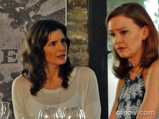 Helena revela que seria capaz de matar Laerte (Foto: Em Família/ TV Globo)