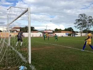 Interporto e Gurupi abriram as semifinais no estádio General Sampaio, em Porto Nacional (Foto: Vilma Nascimento/GloboEsporte.com)