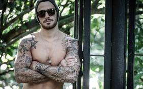 Tatuado dos pés à cabeça, Felipe Titto revela: 'Nunca provei álcool, não sei nem o gosto'